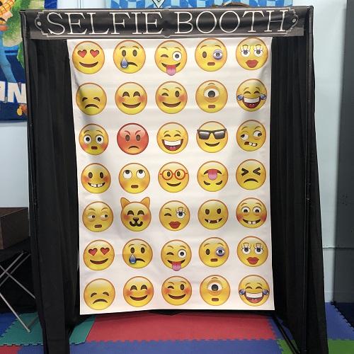Emoji Selfie Booth
