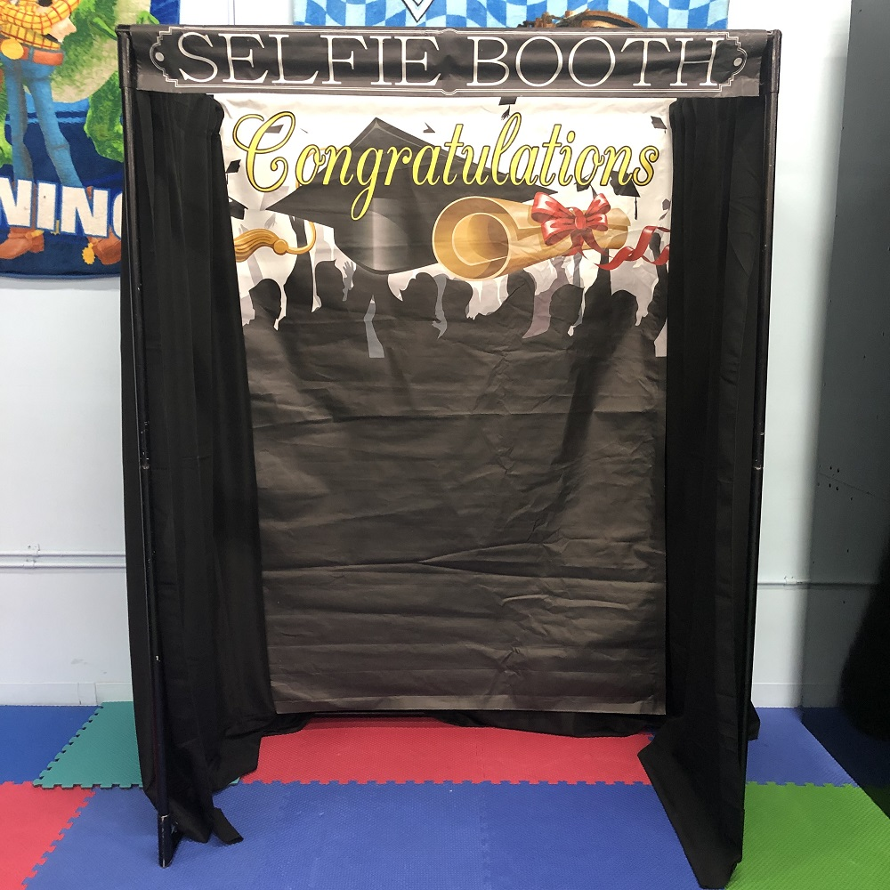 Graduation Selfie Booth